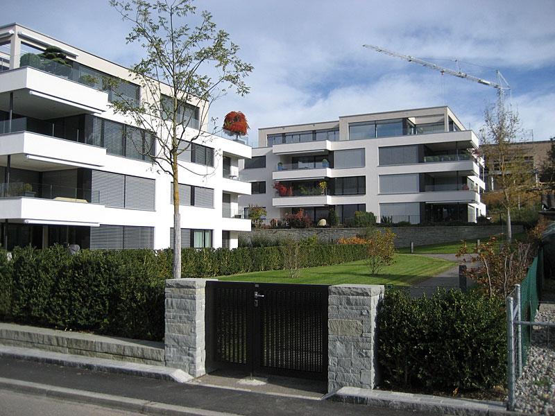 Wohnüberbauung in einer Gemeinde am Zürichsee